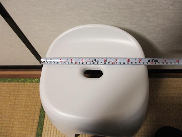 妊婦用お風呂の椅子の横幅約29cm