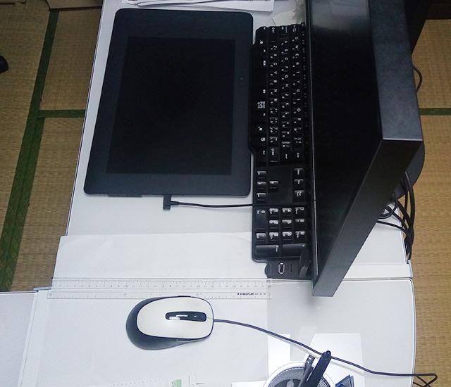 L字型PCデスクの奥行がせまい
