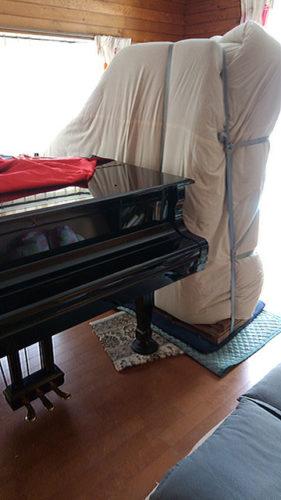 グランドピアノの運搬設置作業その2